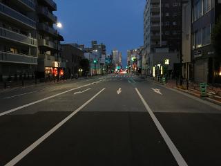 可視映像(夜間 都市部道路撮影)