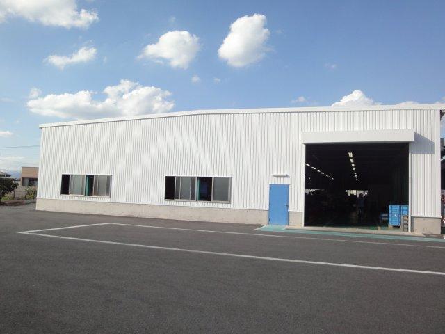 遮熱塗料ミラクール施工実績2012 群馬県太田市 カラー鋼板外壁部 S100ホワイトグレー施工