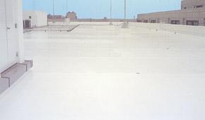 遮熱塗料ミラクール施工実績2005 神奈川県物流倉庫コンクリート屋根(ウレタン塗布防水)約3,000㎡ U600クールホワイト施工