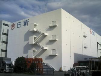遮熱塗料ミラクール施工写真 コンクリート 外壁(冷凍倉庫)約7,000㎡