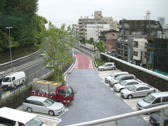 遮熱塗料ミラクール施工写真 道路 駐車場(首都高速代々木パーキングエリア)