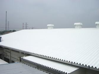 遮熱塗料ミラクール施工実績2006 埼玉県 倉庫屋根(折板)2,200㎡ S300クールホワイト施工